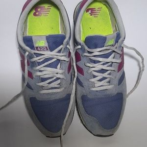 New Balance 420 Size 8 Womens Athletic